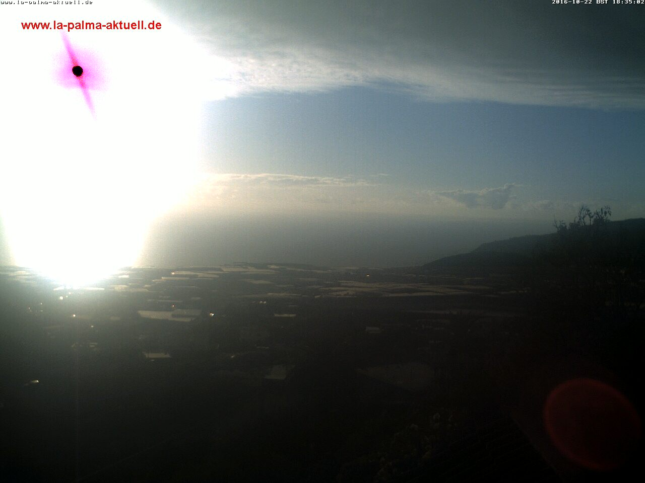 Webcam in El Paso over het Aridane dal op La Palma.
